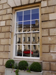 Clean and bright in a stunning part of Bath - with lots of windows for us to clean.